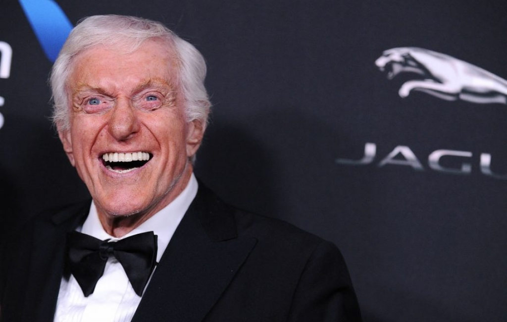 tai sao dick van dyke dien vien 93 tuoi co the nhay sung suc trong mary poppins returns