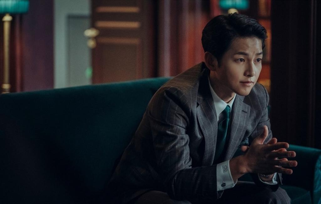 Song Joong Ki đẹp trai ngây ngất trong ngày trở lại màn ảnh nhỏ