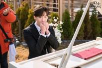 Lee Jong Suk và Lee Na Young tràn ngập năng lượng trên phim trường 'Phụ lục tình yêu'