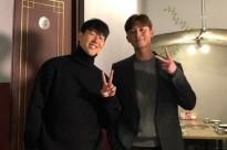 Park Seo Joon khoe hình chụp bên siêu sao bóng đá Son Heung Min