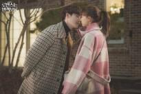 Lee Na Young 'đóng băng' khi trai trẻ Lee Jong Suk tấn công dữ dội