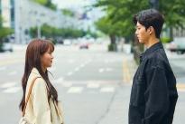 'Love Alarm 2: Chuông báo tình yêu 2' nhá hàng loạt ảnh mới, JoJo nhìn Sun Oh đau đớn nói lời chia tay?
