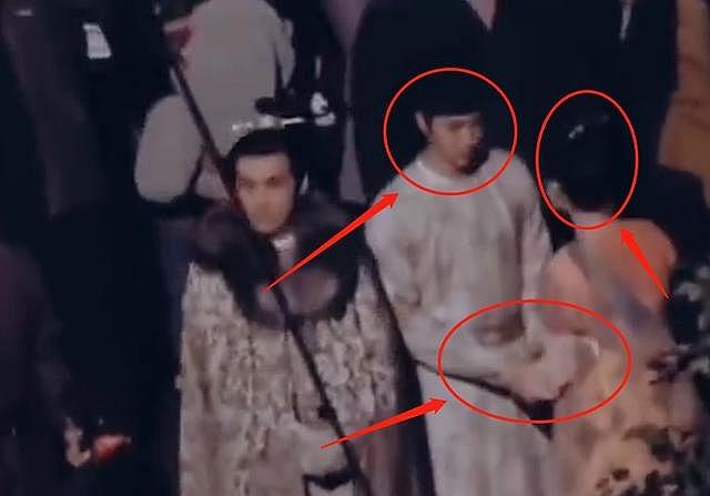 Vương Nhất Bác 'ngáp ngắn ngáp dài' tại phim trường Phong khởi Lạc Dương, bị Tống Dật sà vào lòng ôm ấp