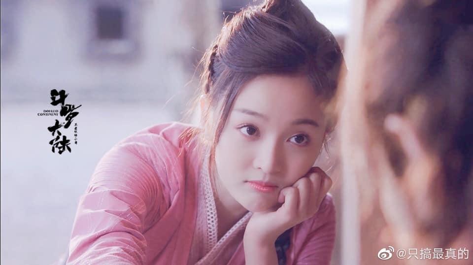 Tạo hình của Ngô Tuyên Nghi trong phim 'Đấu la đại lục; bị chê quê mùa, dân mạng trêu chọc như 'thôn nữ'