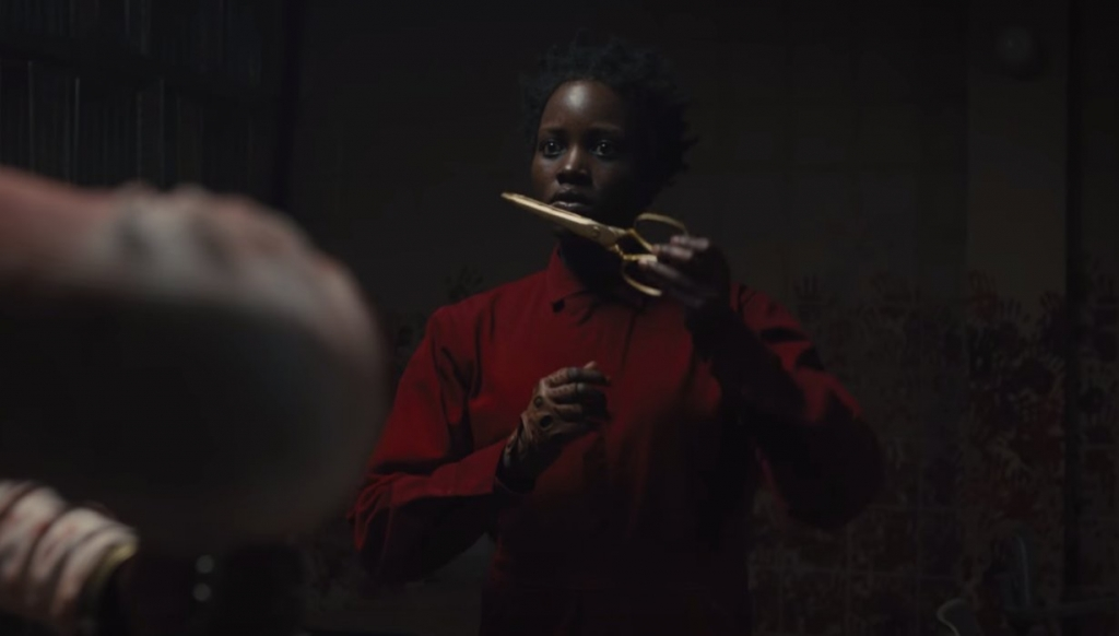 lupita nyong giai thich ve giong noi khiep dam cua minh trong phim kinh di us