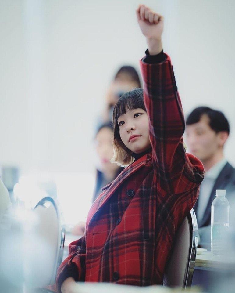 iu suyt nua da vao vai dien nu jo yi seo trong itaewon class