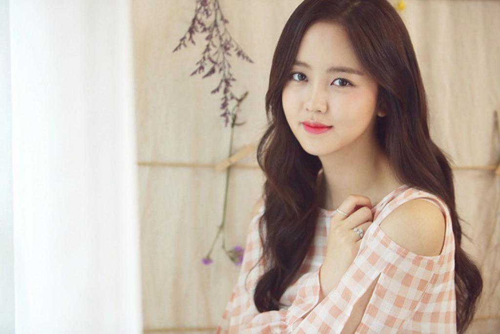 thien than kim so hyun xac nhan dong vai ky nu trong drama tinh cam thoi chosun
