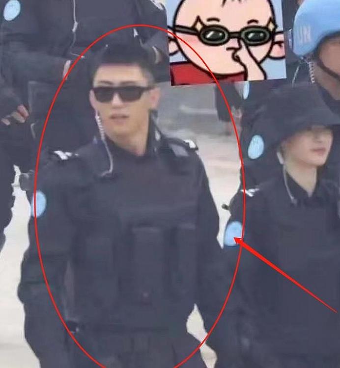 Vương Nhất Bác, Hoàng Cảnh Du, Trương Triết Hạn ngữ đọ sức hút trong trang phục cảnh sát, ai mới là soái ca trong lòng chị em?