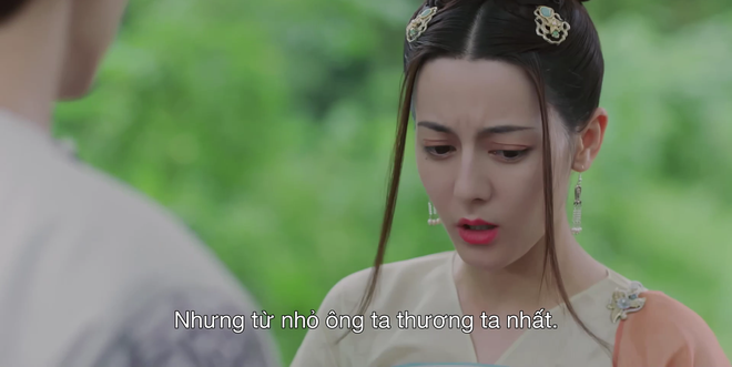 """Địch Lệ Nhiệt Ba vô tư tình tứ với Lưu Vũ Ninh của Triệu Lộ Tư, bỏ mặc 'bệnh nhân""""Ngô Lỗi"""