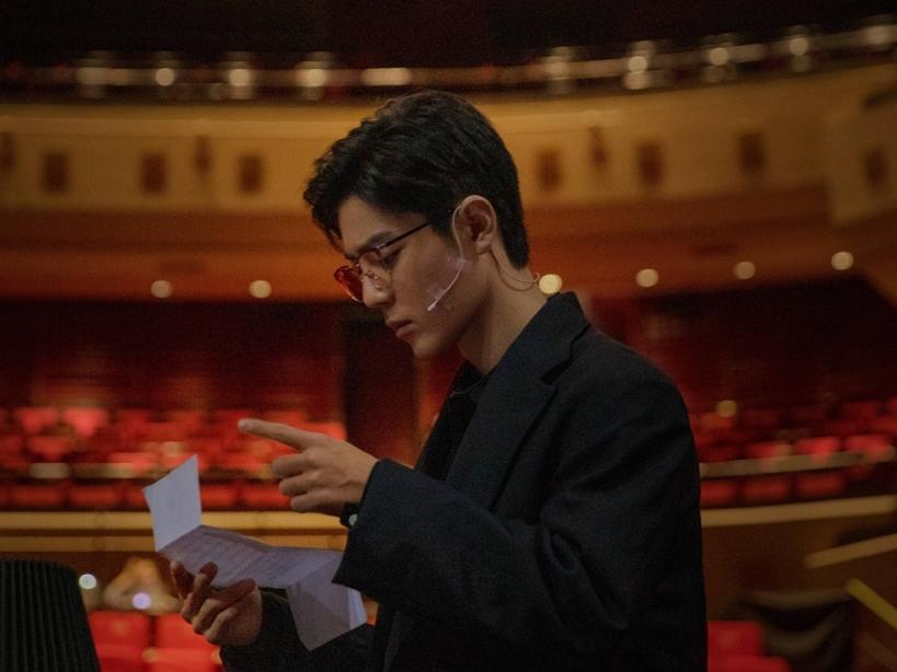 Rộ tin Tiêu Chiến được Trương Nghệ Mưu mời đóng phim, thời tới không cản kịp rồi chăng?