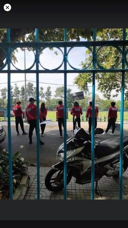 Mùa 2 'Running man Việt' đầy khốc liệt: Ngô Kiến Huy bị cào cấu trầy xước, Jun Phạm cháy nắng toàn mặt
