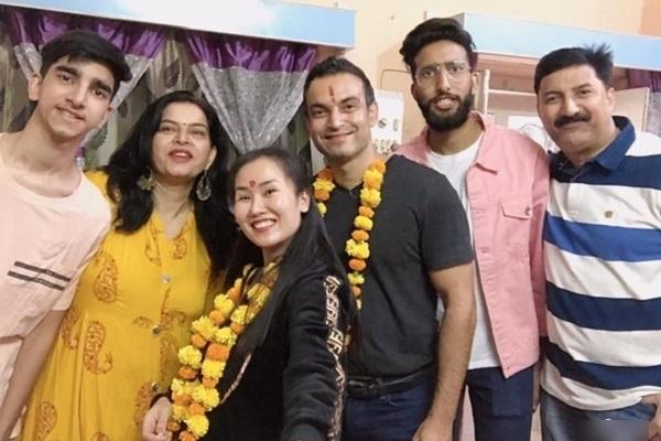 Võ Hạ Trâm kêu gọi quyên góp chống dịch cho quê chồng ở Ấn Độ: 'Họ không có nổi 10 ngàn mua khẩu trang'