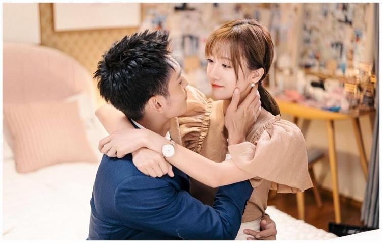 'Ngược chiều ánh sáng, nói lời yêu em' phim ngôn tình với những màn khóa môi táo bạo khiến khán giả không thể bỏ lỡ