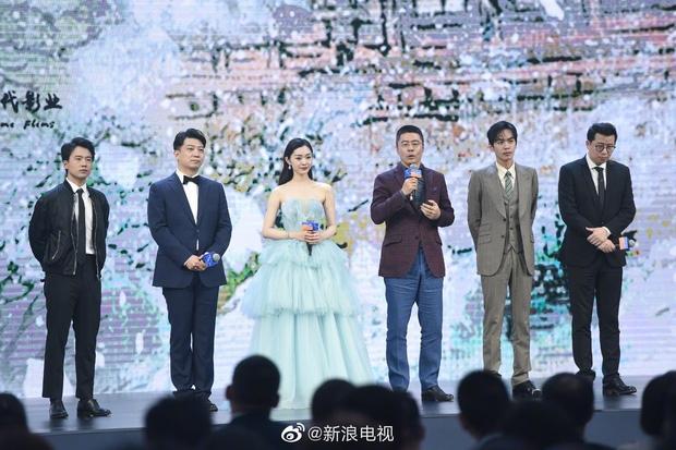 Tiêu Chiến dẫn mối cho cậu em Vương Nhất Bác đóng 'Khánh Dư Niên 2' nhưng bị đạo diễn thẳng thừng từ chối, lý do sau đó là gì?