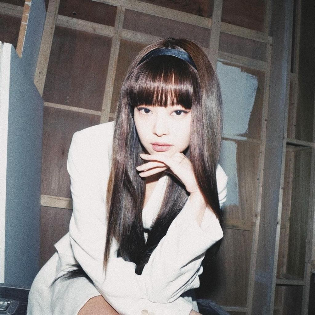 4 nàng BlackPink với tóc mái: Lisa với chiếc mái '2 tỷ' liệu có xinh nhất?