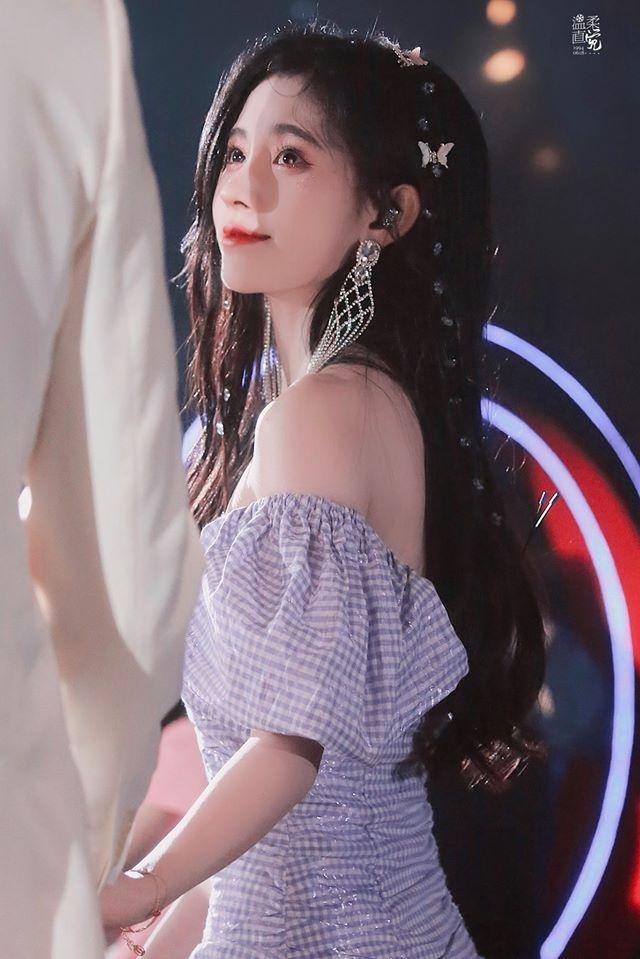 cuc tinh y va tong uy long dep mien che trong sungkyunkwan scandal ban trung