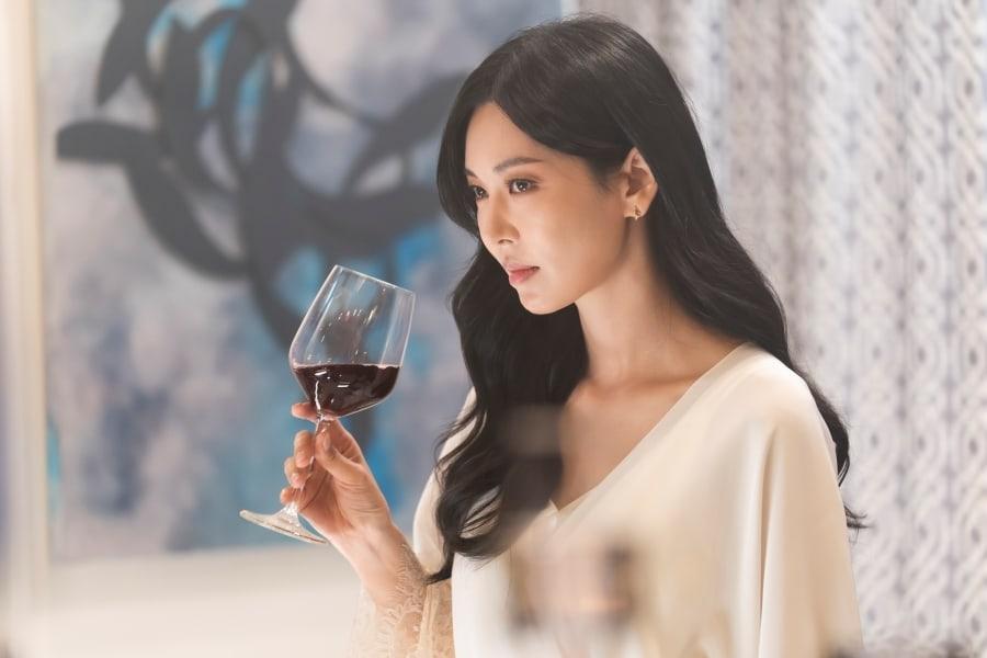 Ha Yoon Cheol sẽ là nhân vật 'bay màu' đầu tiên trong 'Penthouse 3'?