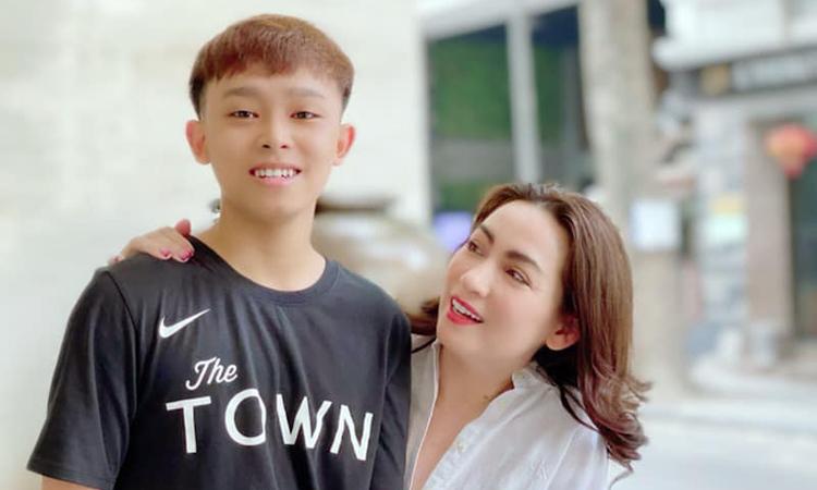 Phi Nhung sợ làm ảnh hưởng tới kỳ thi tốt nghiệp của Hồ Văn Cường