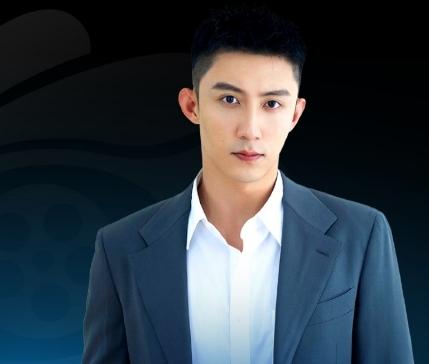 Đêm điện ảnh weibo 2021: Lưu Hạo Nhiên và Hoàng Cảnh Du đồng nhận giải Diễn viên đột phá của năm