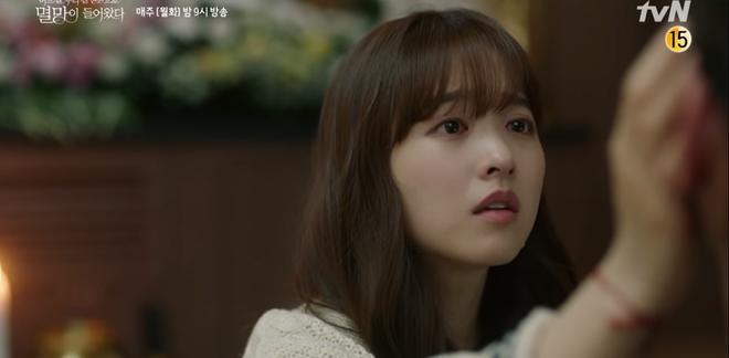 Park Bo Young 'bay màu' ở 'Kẻ hủy diệt đến gõ cửa nhà tôi' khiến khán giả mất niềm tin trầm trọng vào biên kịch phim Hàn