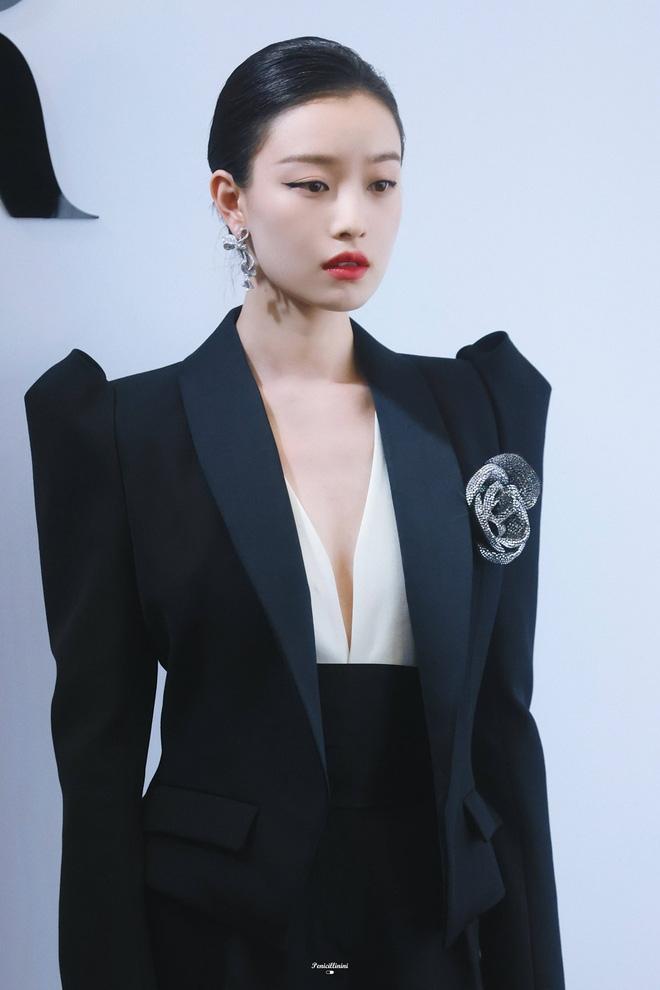 Ngắm nhìn các mỹ nhân C - biz rong phong cách menswear, khí chất soái tỉ ngời ngời