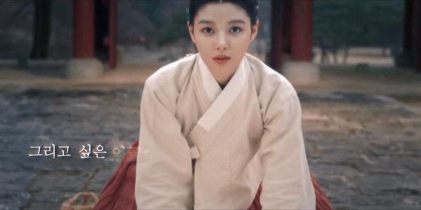 """Ahn Hyo Seop khiến fan """"khóc thét"""" vì tạo hình ở phim với Kim Yoo Jung: """"Ai  chơi ác với anh thế này?"""""""