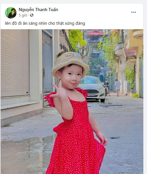 Giám khảo Rap Việt JustaTee lên đồ cực xinh cho con gái cưng đi ăn sáng gây bão cộng đồng mạng