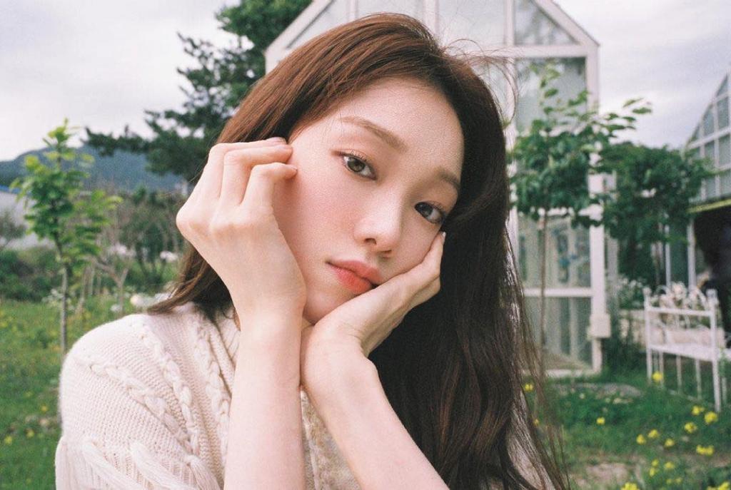 'Tiên nữ cử tạ' Lee Sung Kyung phủ nhận hẹn hò với rapper Loco, lý do đằng sau khiến fan cực kỳ bất ngờ