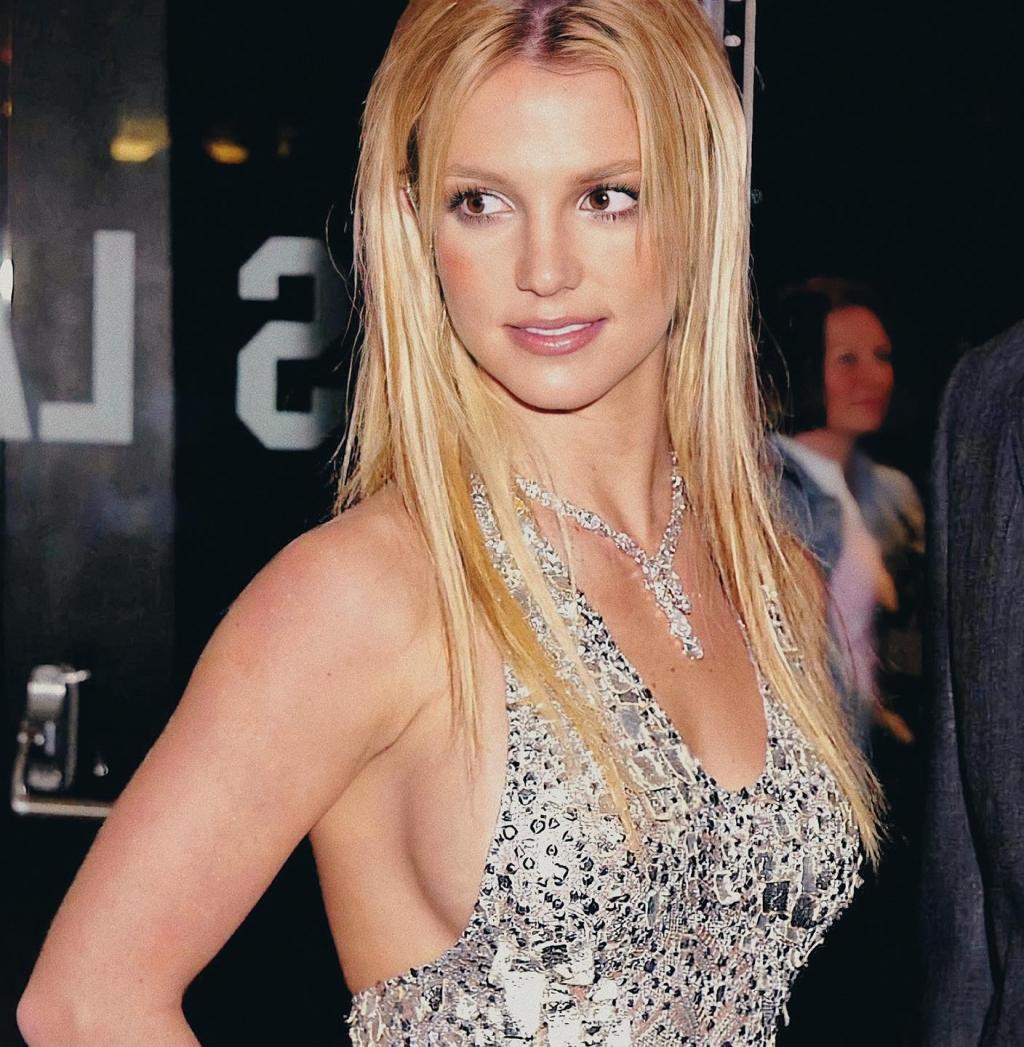 Toàn làng giải trí US-UK lên tiếng bênh vực Britney Spears trước vụ kiện bị ép làm nô lệ suốt sự nghiệp