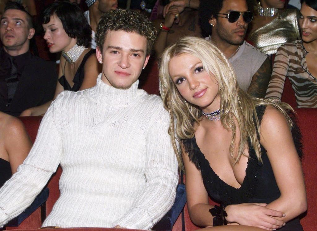 Justin Timberlake bị tố là kẻ đạo đức giả khi lên tiếng bênh vực