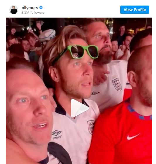Trước thêm Chung kết Euro, điểm danh những sao Anh quốc mê mệt bóng đá