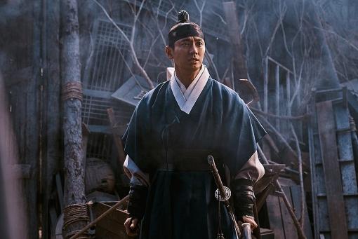 'Kingdom: Ashin of the North' bị chê, Netflix sẽ làm luôn một ngoại truyện khác về Lee Chang?