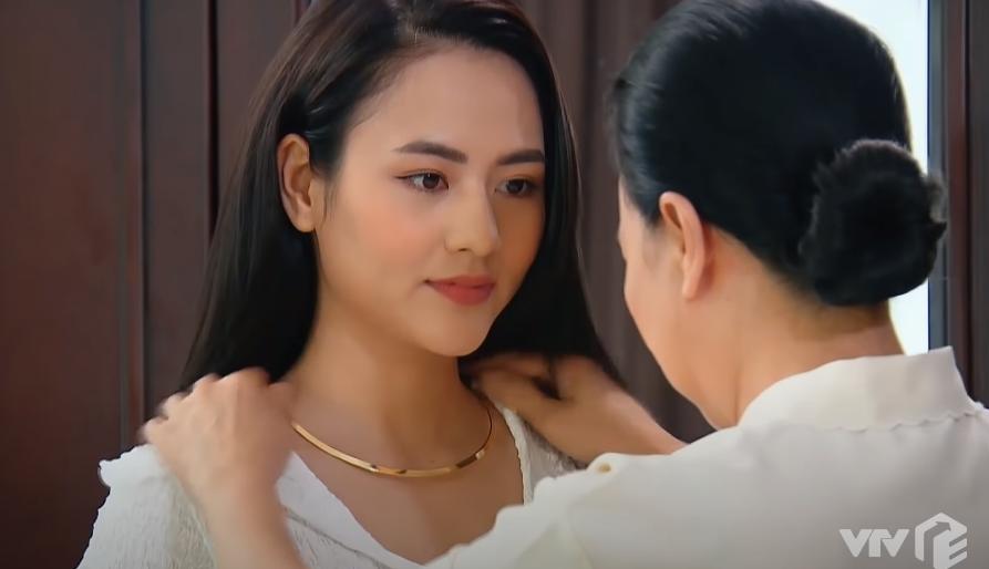 Vợ mới của Long trong 'Hương vị tình thân': 'Bánh bèo', ăn chơi, mưu mô có thừa!