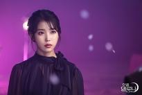 Bà chủ IU của 'Hotel Del Luna' update Instagram ăn mừng 800k followers, 'dụ' sao phim 'Vì sao đưa anh tới' Kim Soo Hyun tới thăm khách sạn