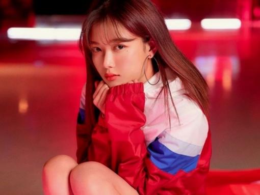 kim yoo jung cua cua hang tien loi saet byul khong ban tam khi bi dat len ban can voi kim so hyun
