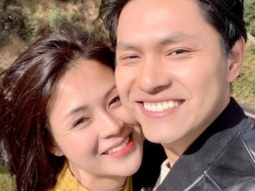 Bạn trai mới của Nam trong 'Hương vị tình thân' ngoài đời có vợ xinh như hot girl