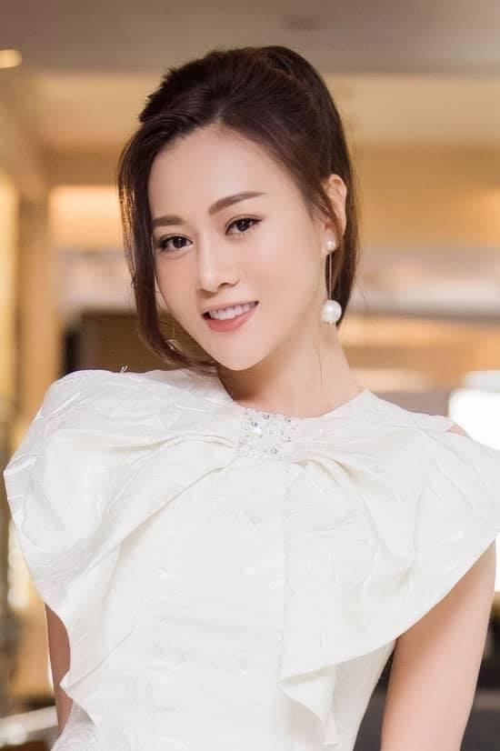 Phương Oanh của 'Hương vị tình thân' chủ động rút khỏi đề cử VTV Award