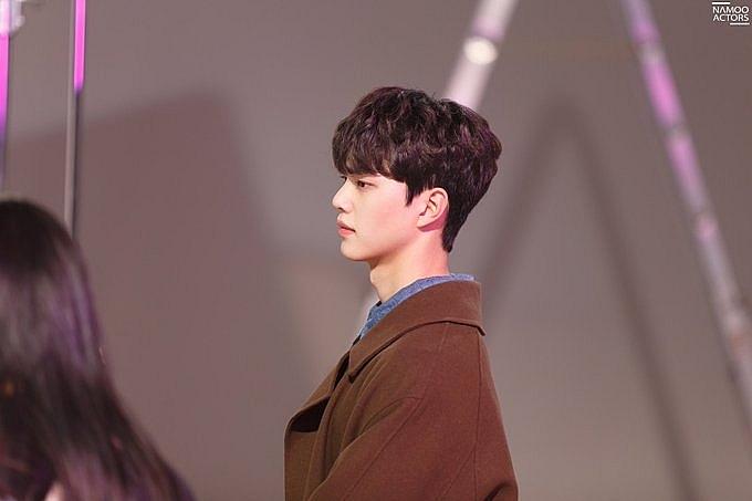 netflix tung hinh trai dep song kang hwang seon oh ngam y se lam love alarm phan 2