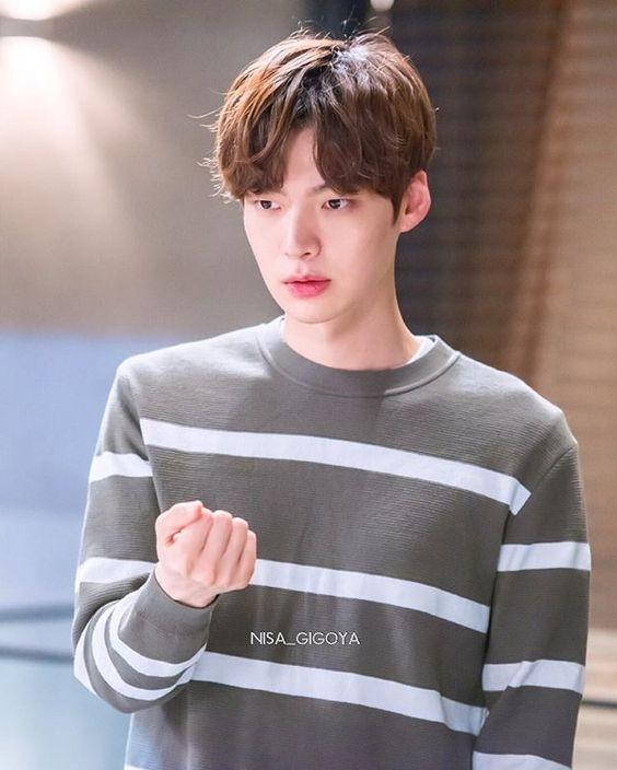chong ghe quoc dan ahn jae hyun thong bao rut khoi show an khach tay du ky