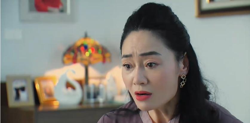 'Hương vị tình thân': Thanh Xuân như một ly trà, livetream một lúc thế là Xuân 'toi'