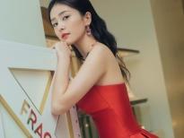 Bạch Lộc được cư dân mạng là khen là 'nữ thần màu đỏ'