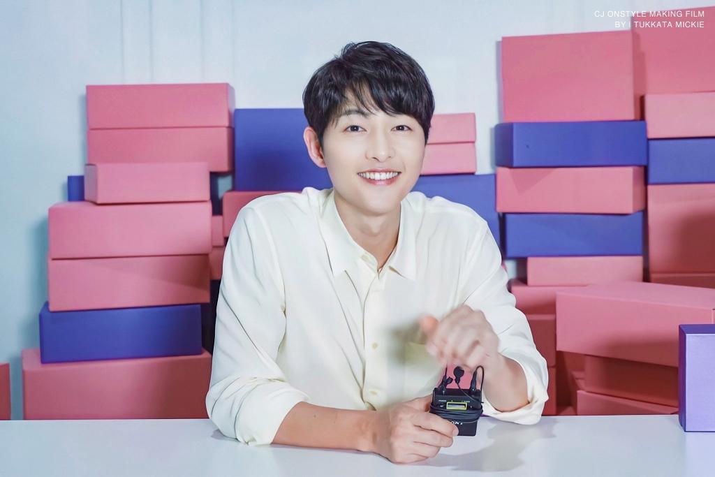 Fan Song Joong Ki tại Việt Nam tích cực làm công tác ủng hộ chống dịch nhân dịp sinh nhật idol