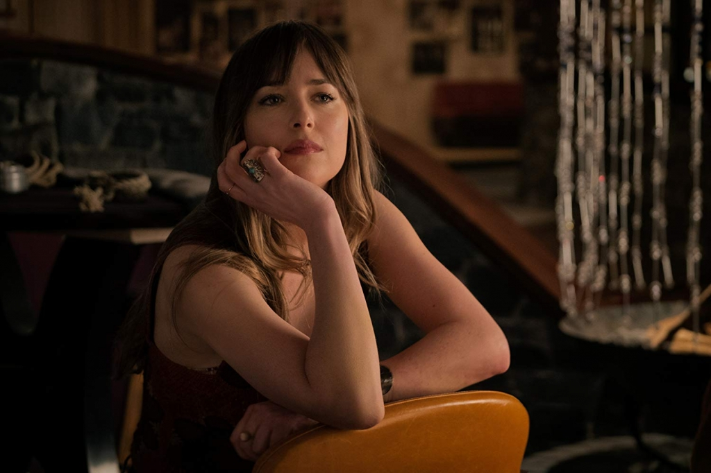 dakota johnson phu nhan tin don dang mang thai cung nam ca si chris martin