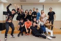 '11 tháng 5 ngày' tổ chức tiệc đóng máy, Thanh Sơn và Khả Ngân vai kề vai khó rời?