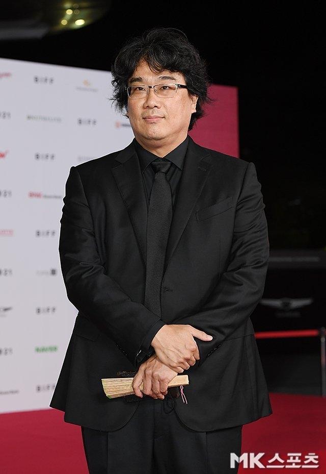 Dàn sao tỏa sáng rực rỡ trên thảm đỏ Liên hoan phim Busan lần thứ 26
