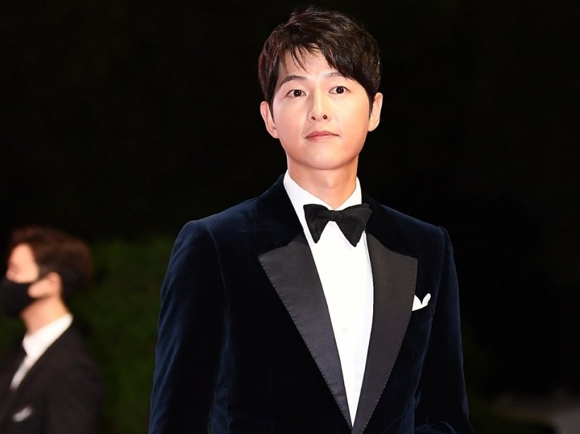 Dàn sao tỏa sáng rực rỡ trên thảm đỏ Liên hoan phim Quốc tế Busan lần thứ 26
