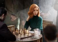 'The Queen's Gambit' làm khán giả Việt mê mẩn