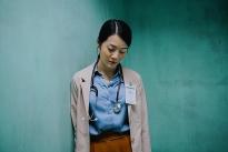 Tiểu tam 'phá hoại' Hương Giang đẹp ngây ngất bên Hoàng Yến Chibi trong 'Người cần quên phải nhớ'