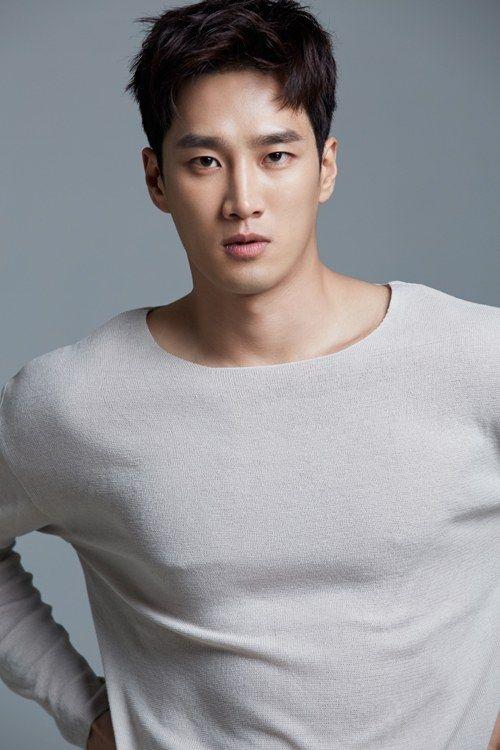 yoo in na va ahn bo hyun itaewon class duoc xet nghiem khan cap covid 19