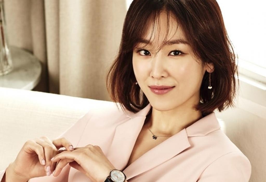 seo hyun jin dau quan cong ty quan ly cua gong yoo